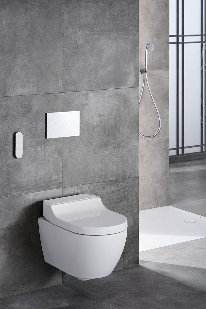 web-2018 Bathroom 01 L VariForm Washbasin AquaClean Tuma Comfort_preview