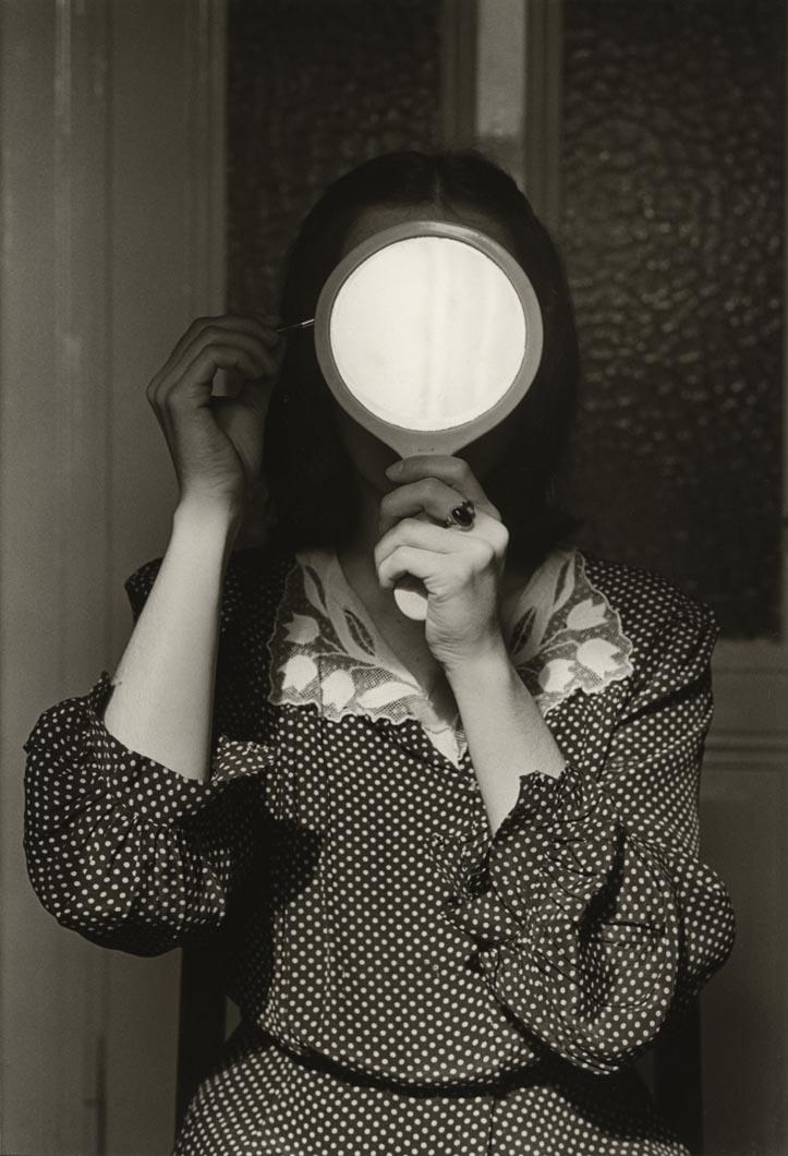 andre-gelpke-christine-mit-spiegel-1977-andre-gelpke-courtesy-galerie-kicken-berlin