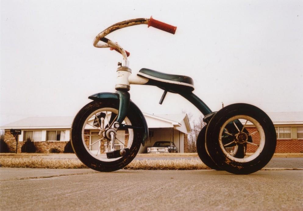 william-eggleston-untitled-memphis-1970-eggleston-artistic-trust-courtesy-eggleston-artistic-trust-and-david-zwirner