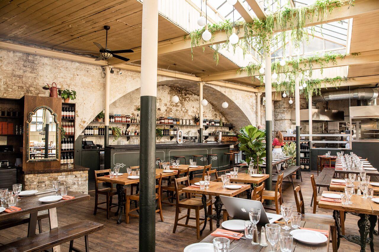 Ristorante casa do frango cucina portoghese a londra for Casa corriere