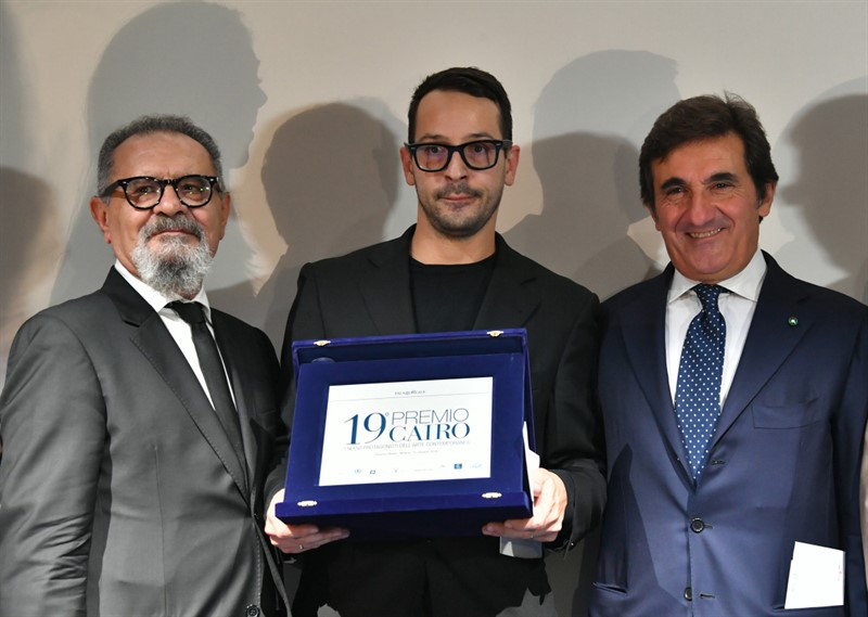 Michele Bonuomo, direttore di 'Arte', Fabrizio Cotognini, vincitore del Premio Cairo 2018 e il presidente Urbano Cairo