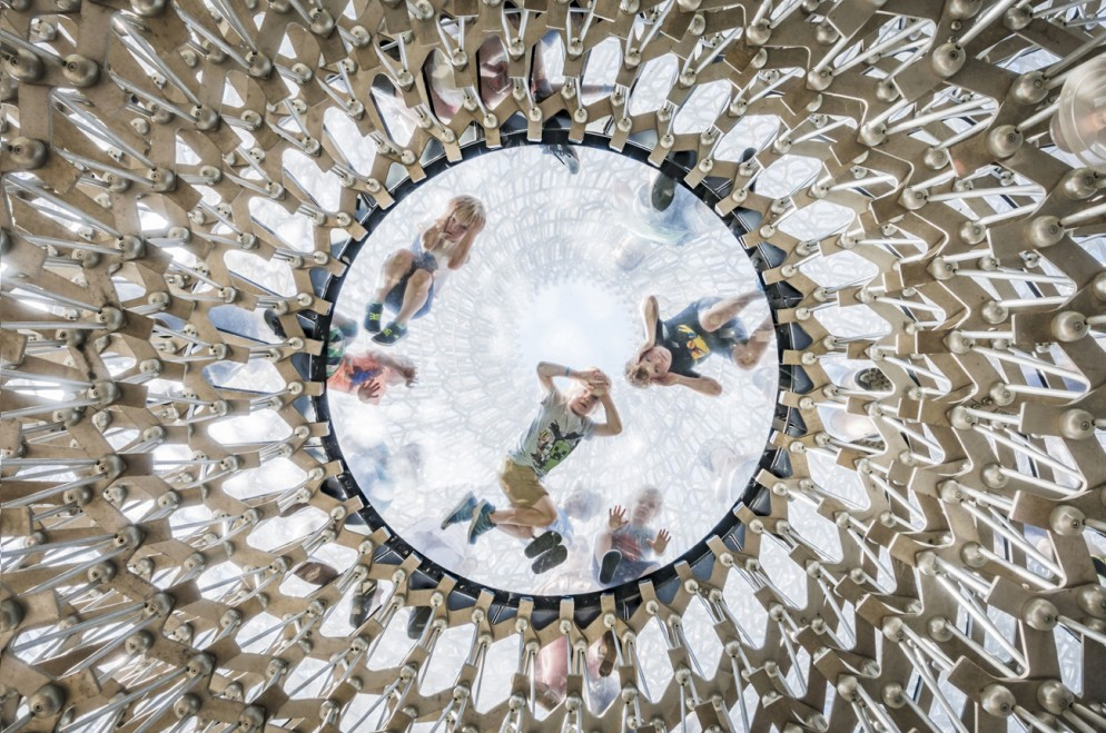 Project: The Hive at the Royal Botanic Gardens, Kew, UK by Wolfgang ButtressPhotographer: Omer Kanipak