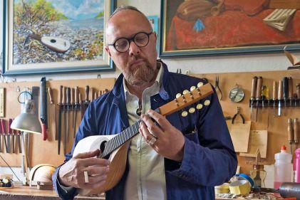 giulio-iacchetti-mandolino