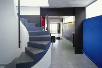 les-couleurs-le-corbusier-eingangsbereich-blau-apartment-atelier-paris