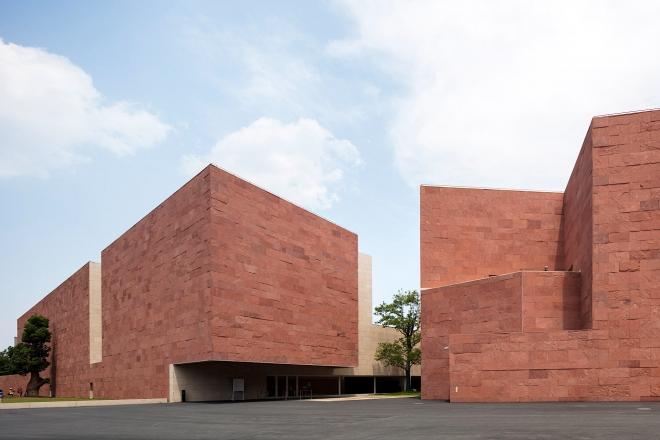cina-design-museum-alvaro-siza-living-corriere