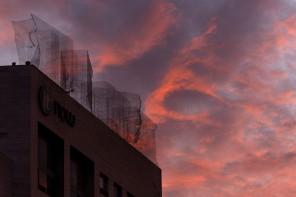 Edoardo Tresoldi sui tetti di Barcellona