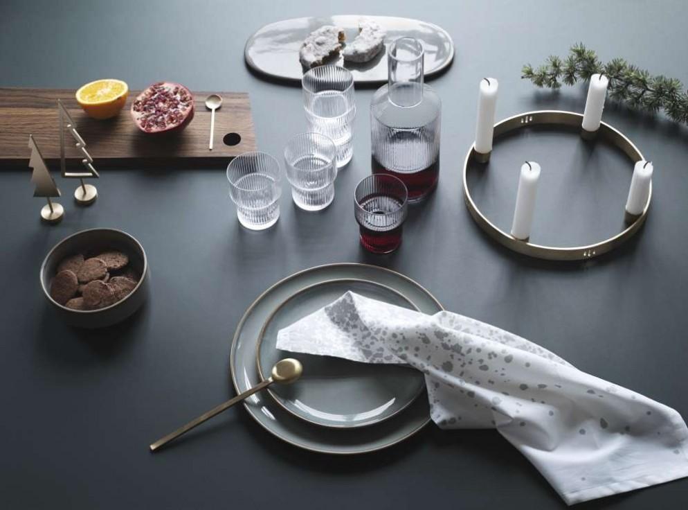 4. tavola-feste-piante-ferm living