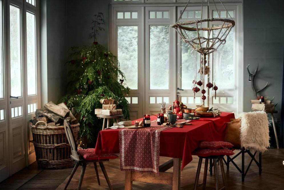5. tavola-feste-piante-DRl0EeBW0AsuU7f