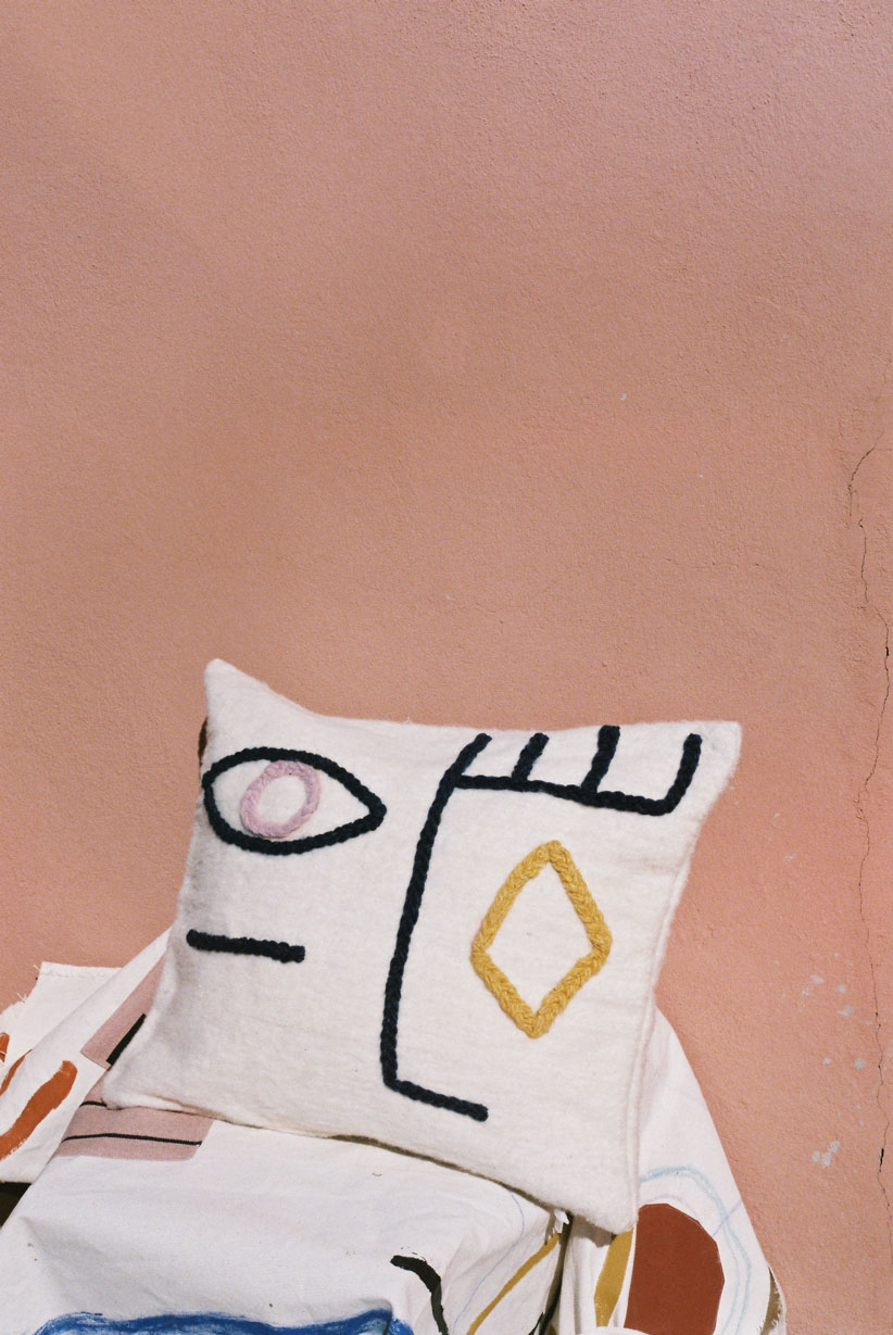 LRNCE-VISAGE-PILLOWCASE-WOOL-EMBROIDERY-2
