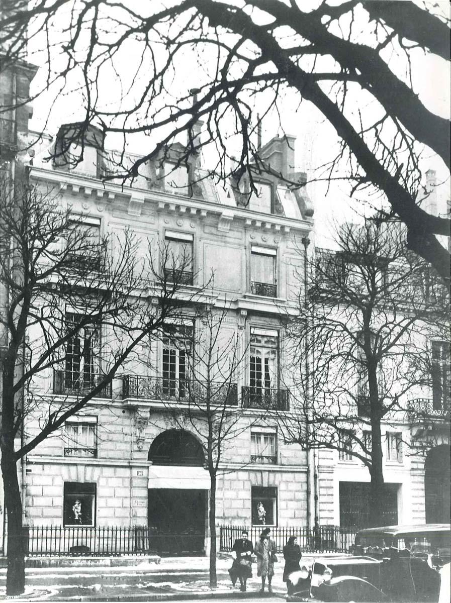 30 Avenue Montaigne, circa 1947. Dior Héritage collection, Paris