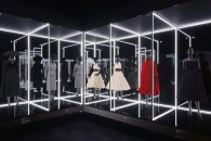 V&A_Christian Dior Designer of Dreams exhibition_The Dior Line section (c) ADRIEN DIRAND (7)