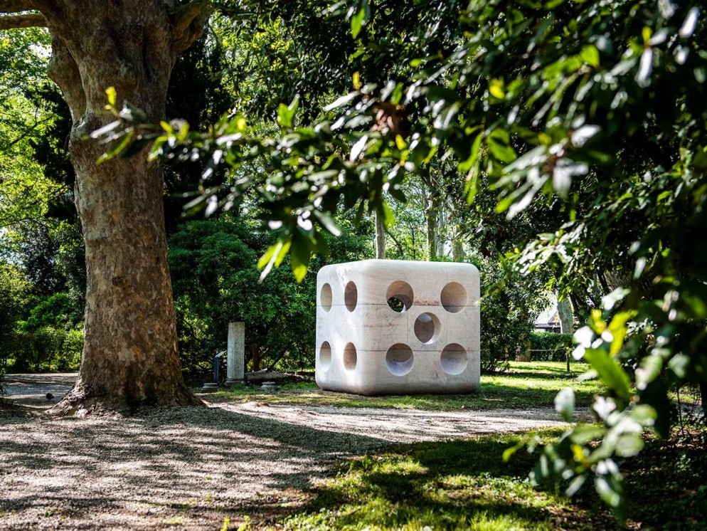 Carsten-Holler-Expanded-Dice-