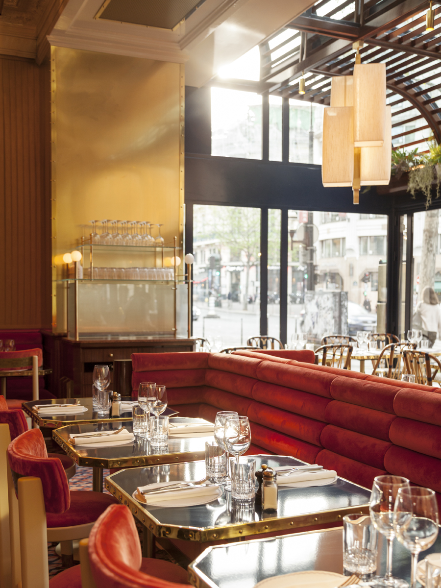 grand-cafe-capucines-paris-living-corriere-01