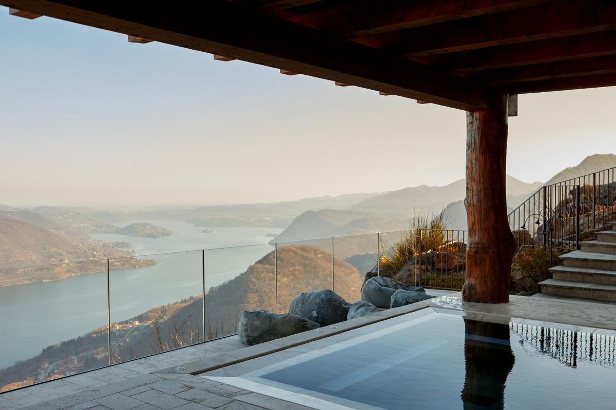 Meditazione vista lago al Mandali Retreat – Foto
