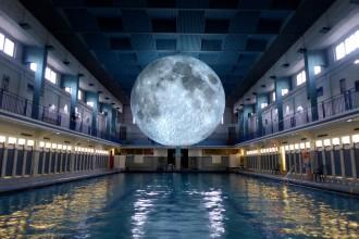 _Museum of the Moon by Luke Jerram. Les Tombees de la nuit, Rennes, 2017
