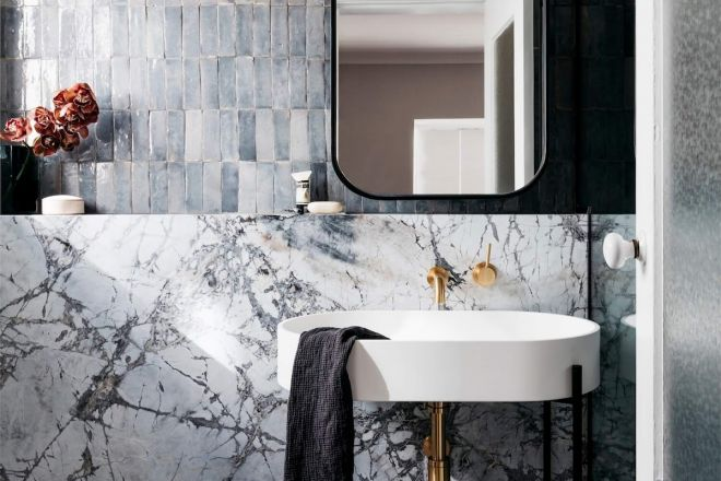 Ispirazioni per arredare un bagno in pietra living corriere for La roccia arredo bagno