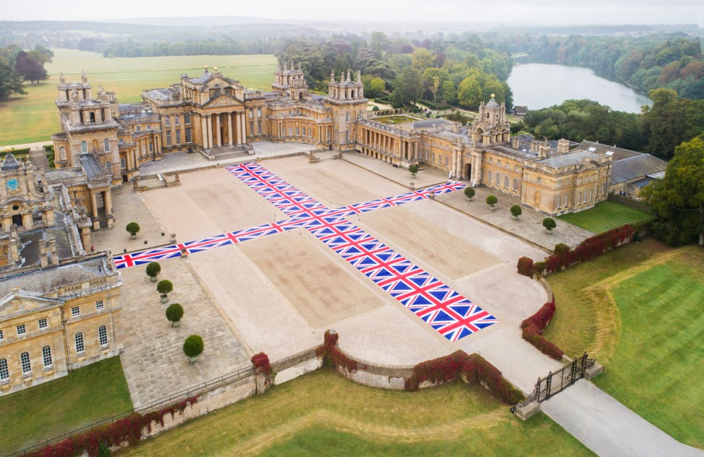 Cattelan_blenheim_Installation view, Victory is Not an Option, 2019, Maurizio Cattelan at Blenheim Palace, 2019, photo by Tom Lindboe, courtesy of Blenheim Art Foundation