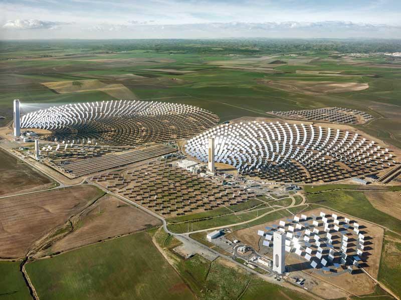 11. Anthropocene_Edward Burtynsky_Solar Power Plant