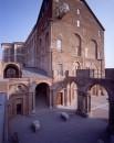 Castello di Rivoli_atrio esterno_ photocredit Paolo Pellion
