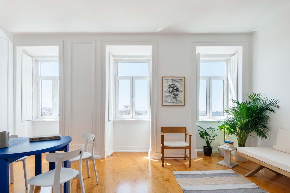 Facile Ristrutturare Opinioni Architetti casa a lisbona in stile minimal - livingcorriere