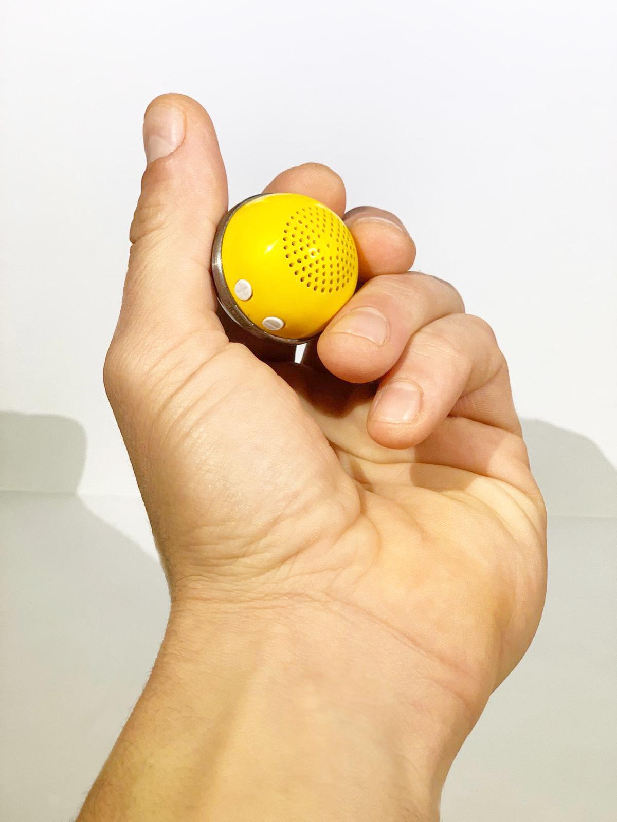 Songball, la sfera per regalare canzoni