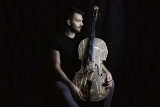 001leonardo-frigo-violino-livingcorriere-1200650
