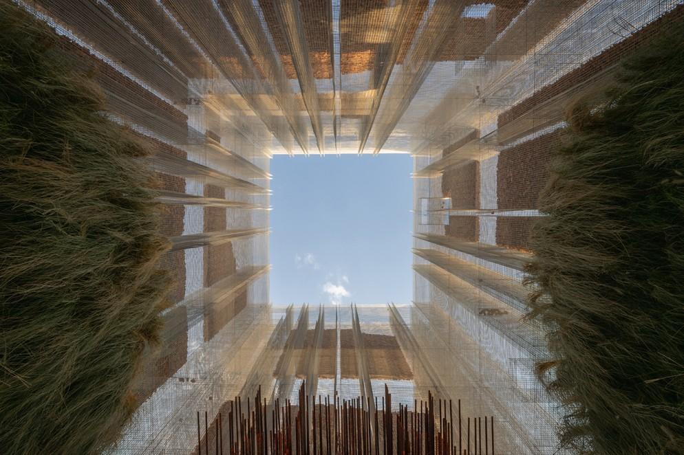 18_Studio Studio Studio_Gharfa_Edoardo Tresoldi and Matteo Foschi installation_Diriyah Oasis_designed and curated by Designlab Experience © Roberto Conte