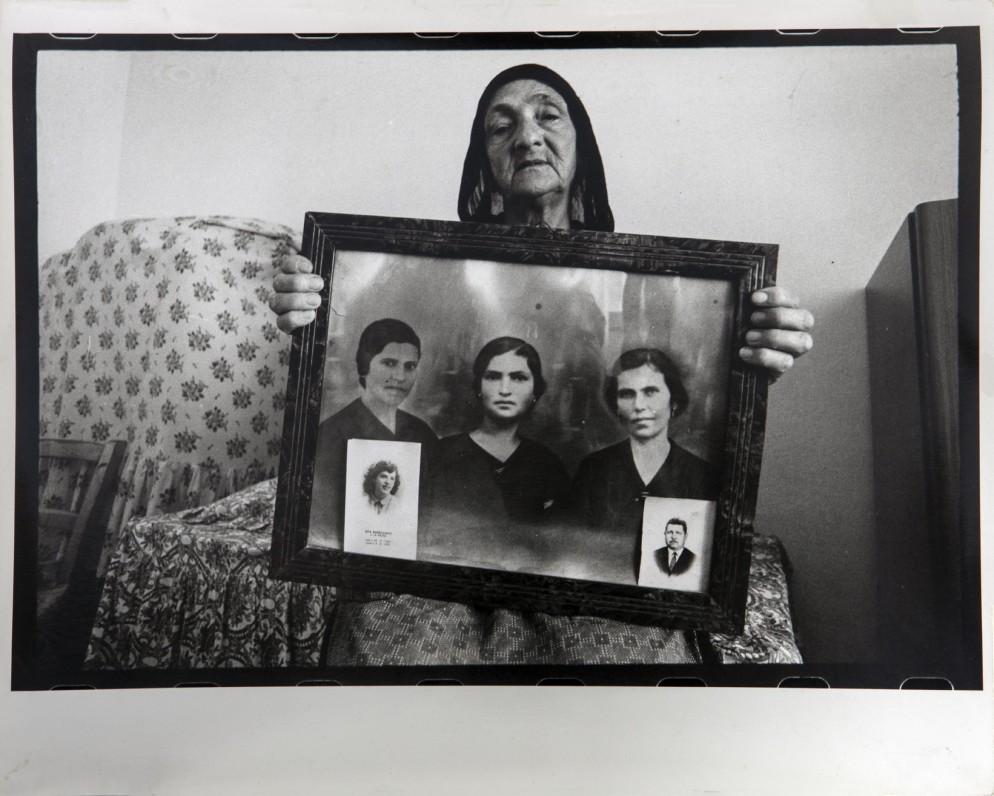 1_Mario Cresci, Dalla serie Ritratti reali. Tricarico,1972.Courtesy Collezione Fabio Castelli