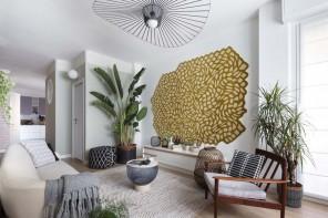 Decorare le pareti con tessuti e tappeti