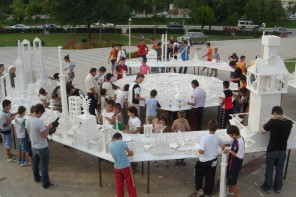 Olafur Eliasson a Milano: una città di Lego in Galleria