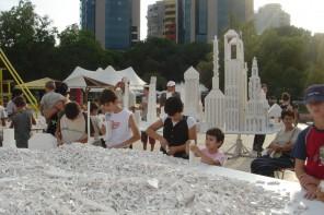 Fondazione Trussardi, a Milano l'opera in Lego di Olafur Eliasson