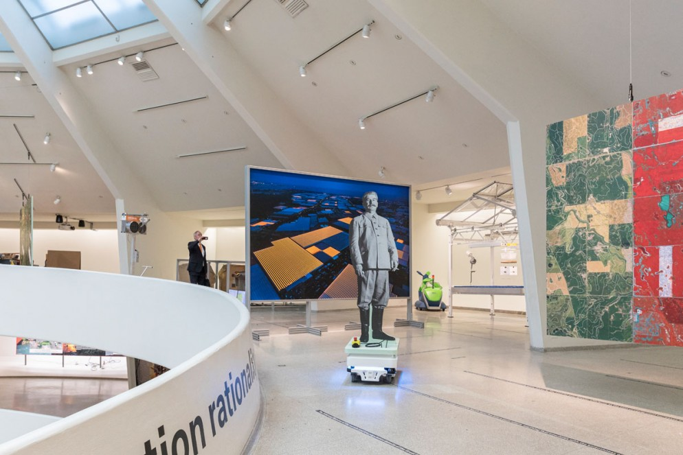 guggenheim-new-york-mostra-countryside-amo-living-corriere-8