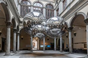 A Palazzo Strozzi l'installazione di Tomas Saraceno