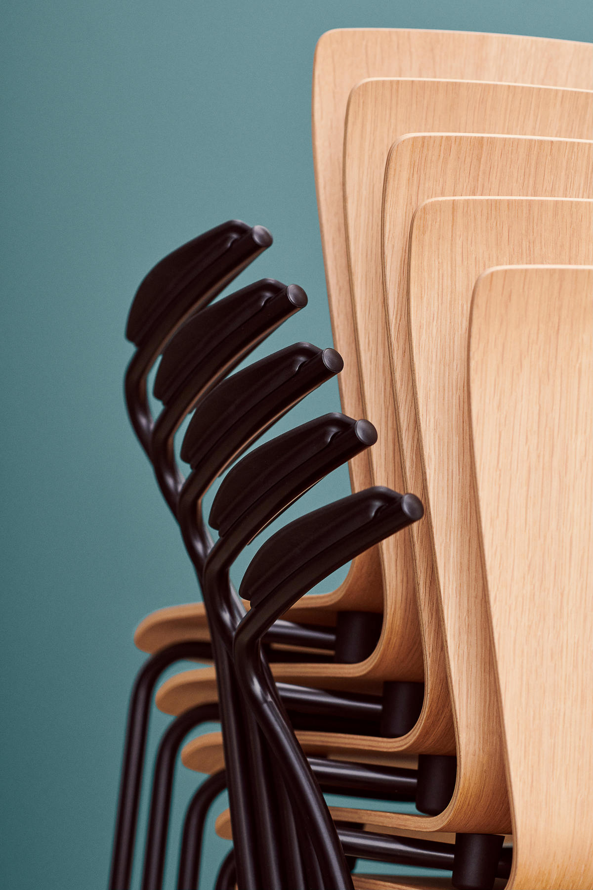 Fritz Hansen_Vico Duo chair by Vico Magistretti_ Oak - VM111