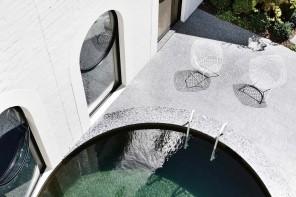 La piscina al centro