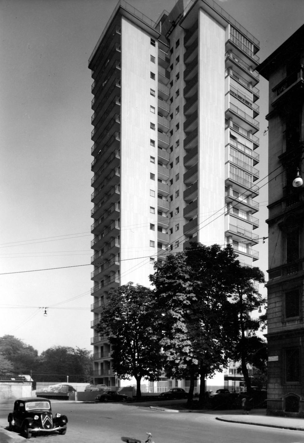 magistretti-architetto-Torre-al-Parco-02_PH-Sconosciuto