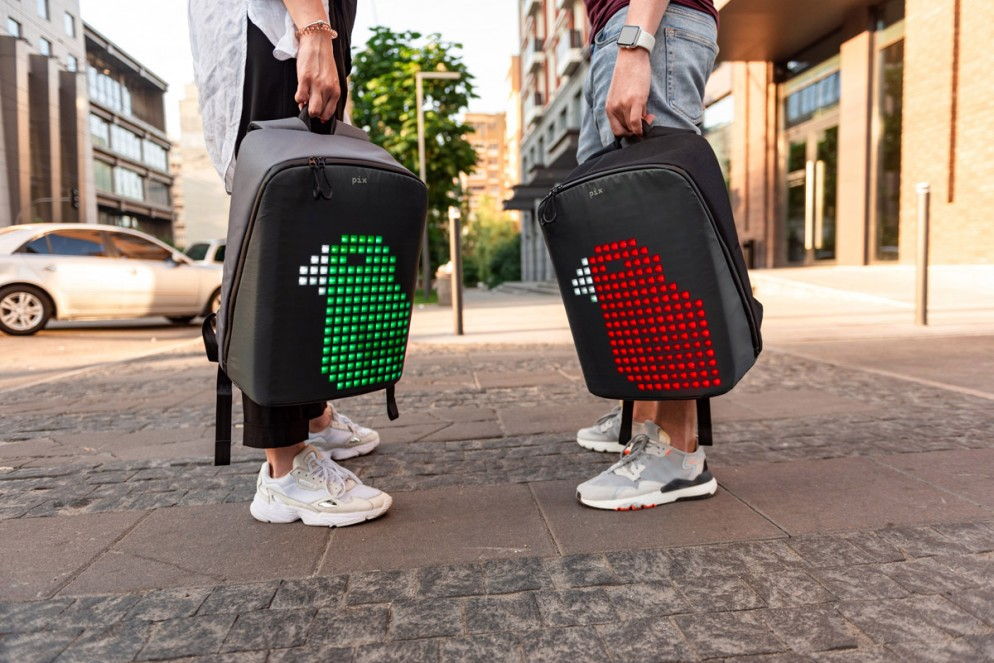 zaino-digitale-led-ricaricabile-pix-backpack-03