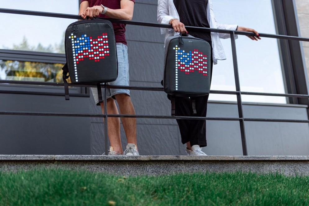zaino-digitale-led-ricaricabile-pix-backpack-04