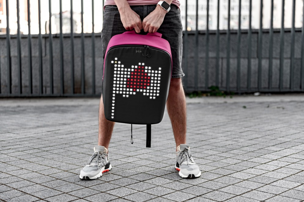 zaino-digitale-led-ricaricabile-pix-backpack-09