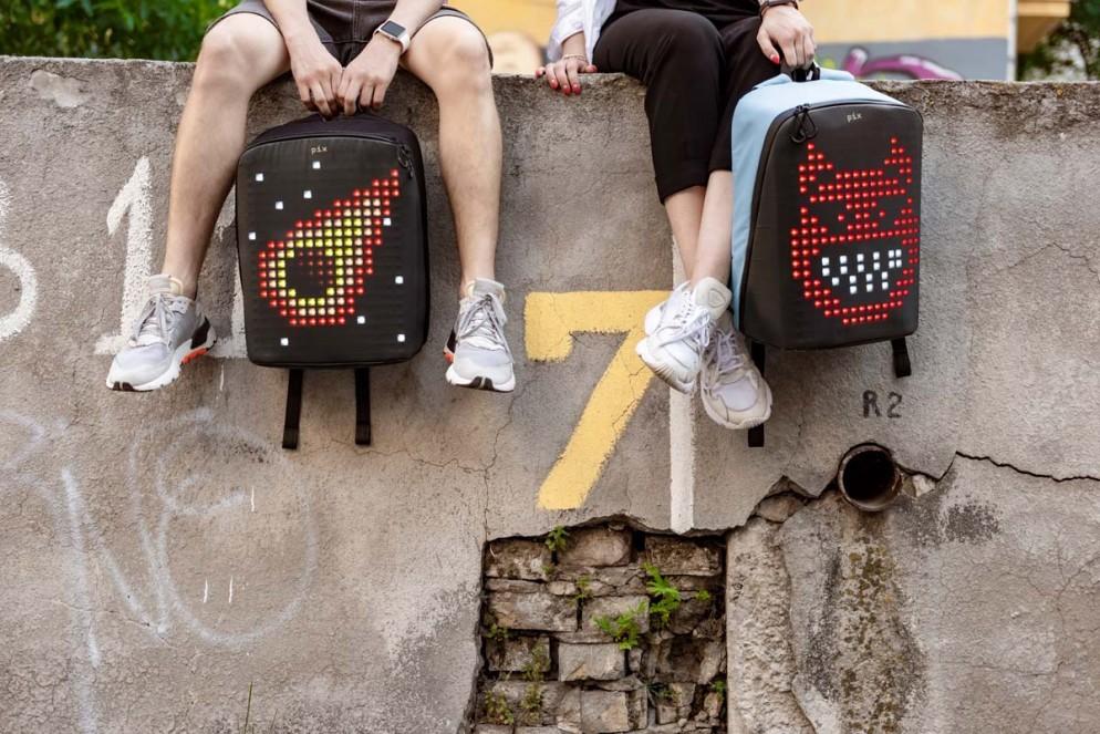 zaino-digitale-led-ricaricabile-pix-backpack-10