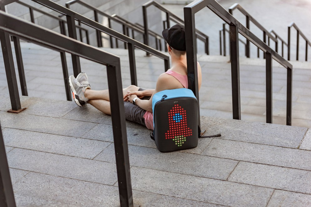zaino-digitale-led-ricaricabile-pix-backpack-11
