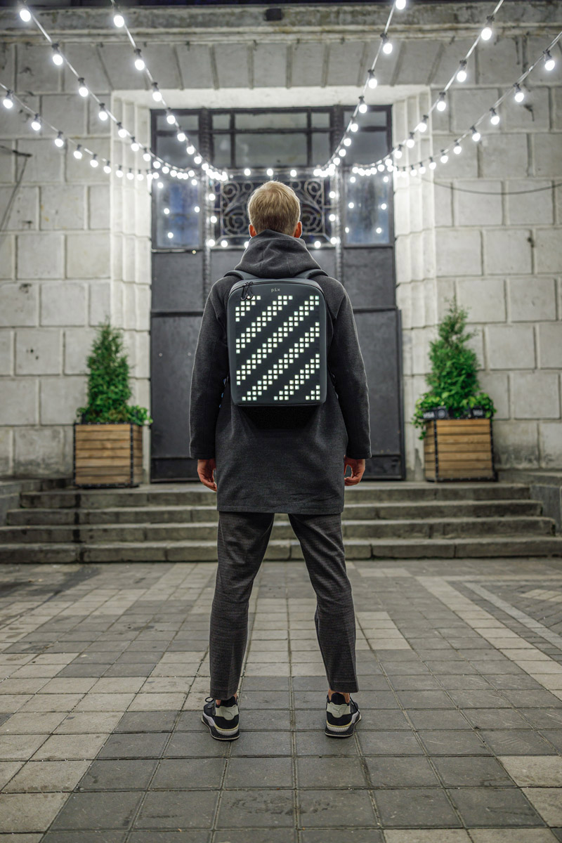 zaino-digitale-led-ricaricabile-pix-backpack-18