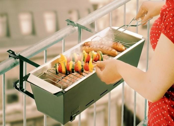 balkon-gestalten-grillen-barbeque-balkongestaltung-tipps