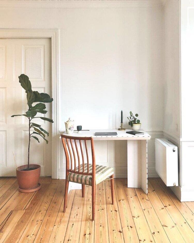 stykka cardboard desk