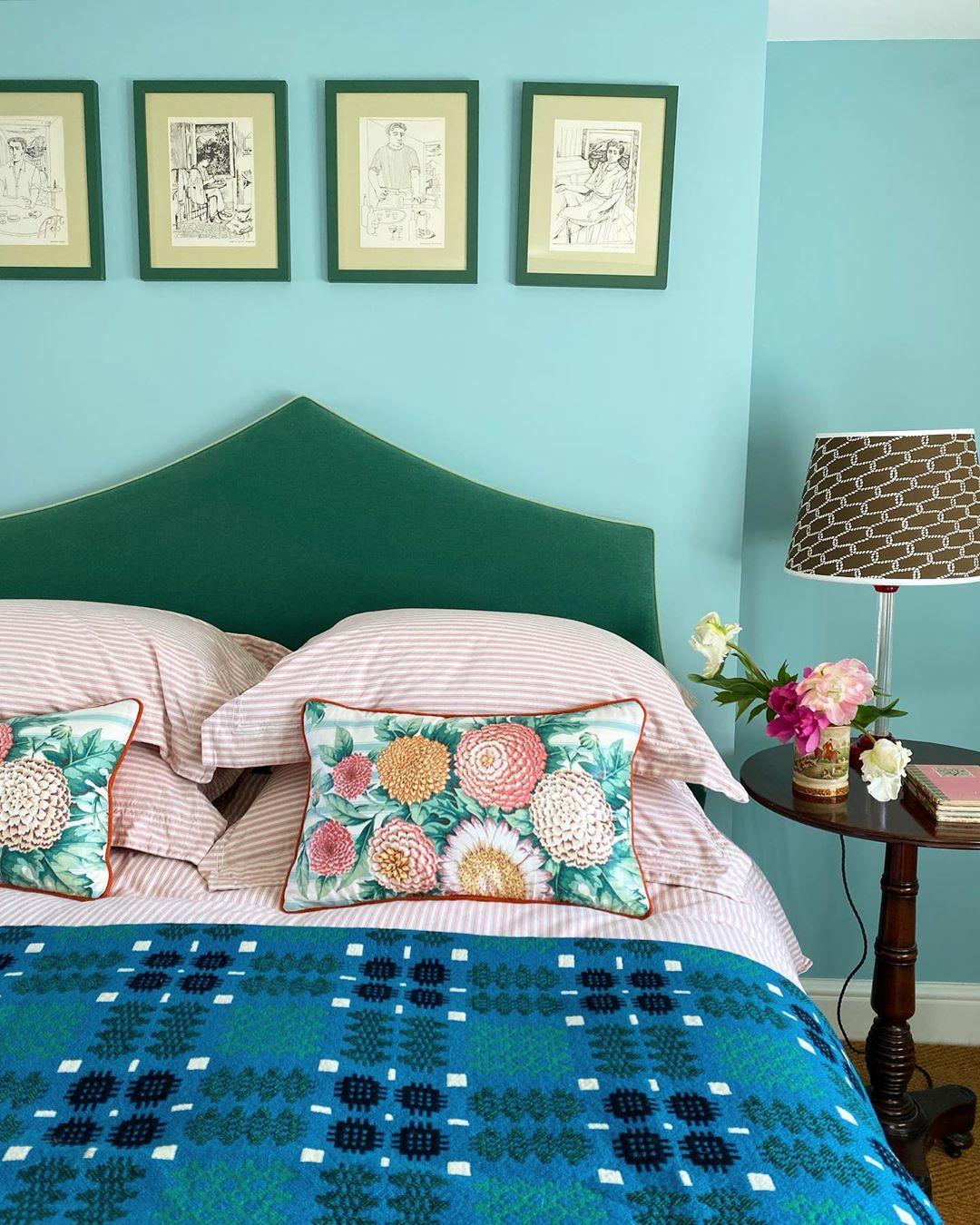 21-colore-azzurro-pareti-abbinamenti-luke-edward-hall-livingcorriere
