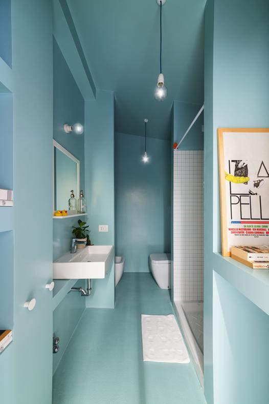 23-colore-azzurro-pareti-abbinamenti-monolocale-30-mq-milano-08_MGbig-livingcorriere