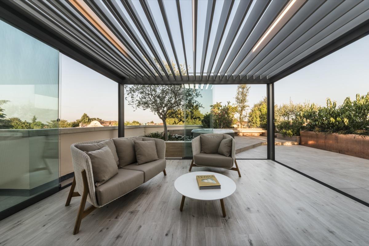 Come Arredare Un Terrazzo Coperto corradi: outdoor da vivere tutto l'anno - livingcorriere