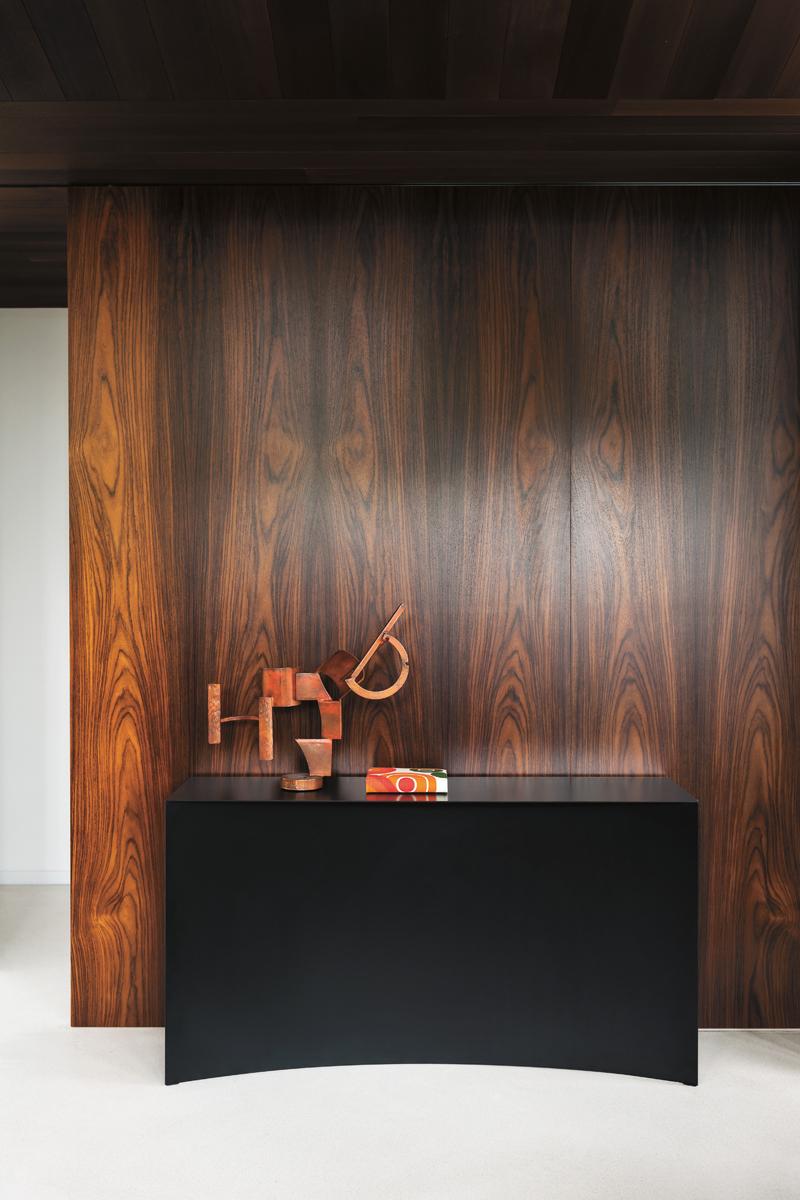 DesignLovesMilano_GuglielmoPoletti_Desalto_Void Wall Console_Ph Andrea Ferrari_01