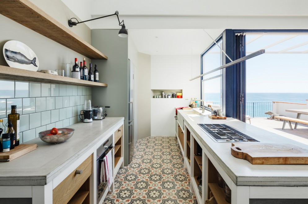 cementine-cucina-casa-costa-brava-nook-architects-living-corriere-10