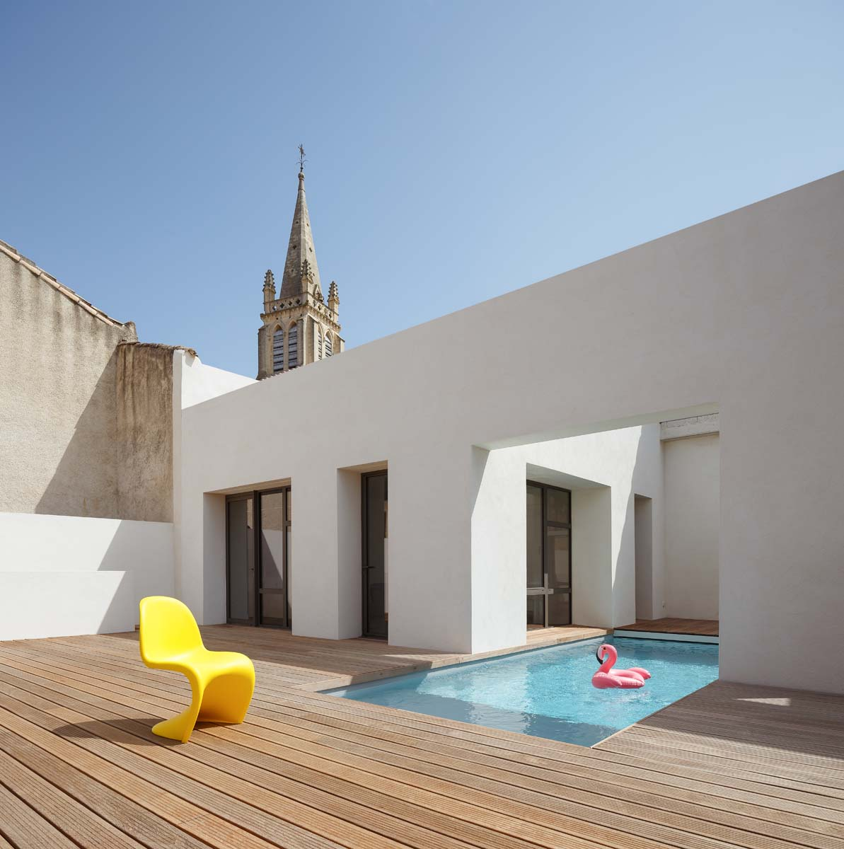 L'ex fienile trasformato in villa con piscina - Foto